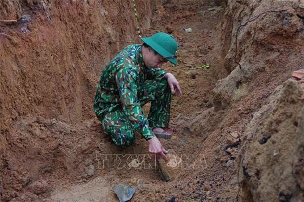 广平省成功处理战争遗留的一枚227公斤重炸弹 hinh anh 1