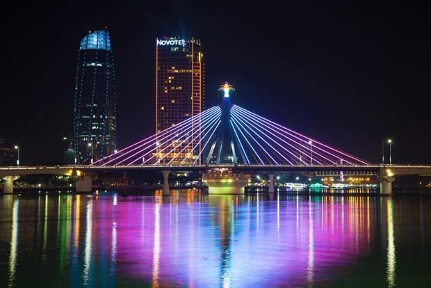 """夜间经济""""点亮""""岘港旅游业:撬动绿色经济的杠杆 hinh anh 1"""