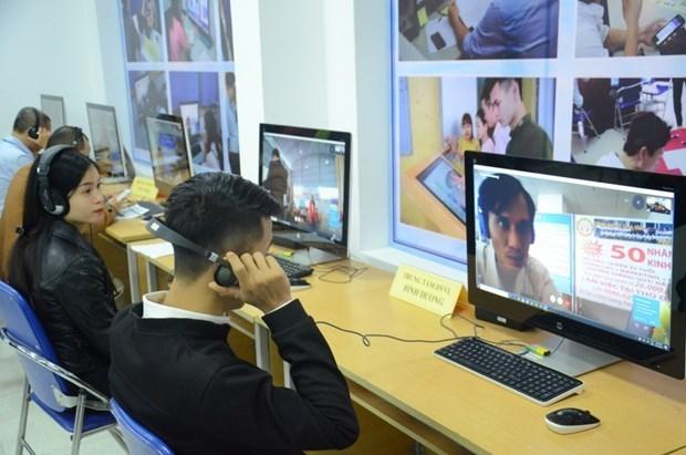 旅居日本越南人从线上就业展会找到巨大就业机会 hinh anh 1