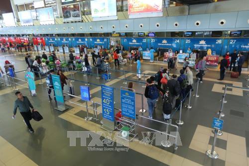 4•30和5•1假期:河内内排国际机场的游客吞吐量有望创新纪录 hinh anh 1
