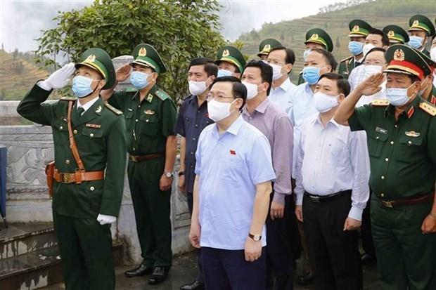 国会主席王廷惠:应用信息技术增进代表候选人与选民的互动沟通 hinh anh 1