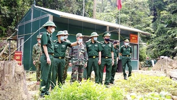 越南军队加强支援各地方抗击疫情 hinh anh 1