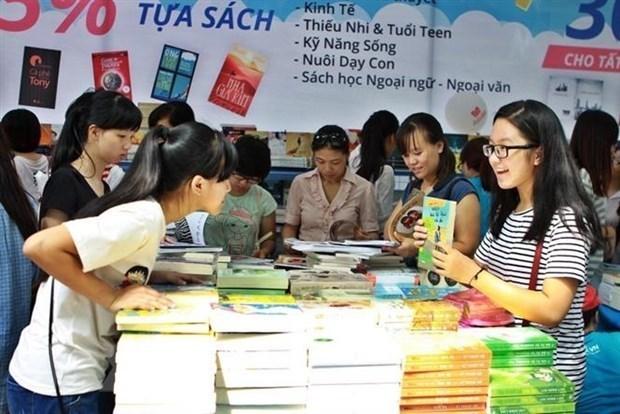 在线国家图书节闭幕 近2万册书一律至一折优惠 hinh anh 1