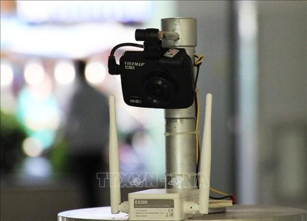 Sang che robot diet khuan bang tia UV hinh anh 1