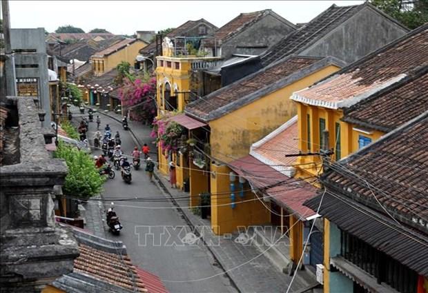 Nguoi Viet Nam di du lich Viet Nam (Bai 1) hinh anh 1