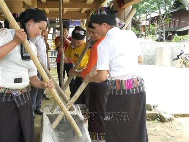Thanh Hoa bao ton, phat huy cac gia tri di san van hoa truyen thong dan toc Thai hinh anh 3