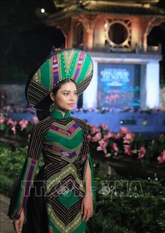 "Dac sac dem trinh dien ""Ao dai – Di san van hoa Viet Nam"" hinh anh 6"