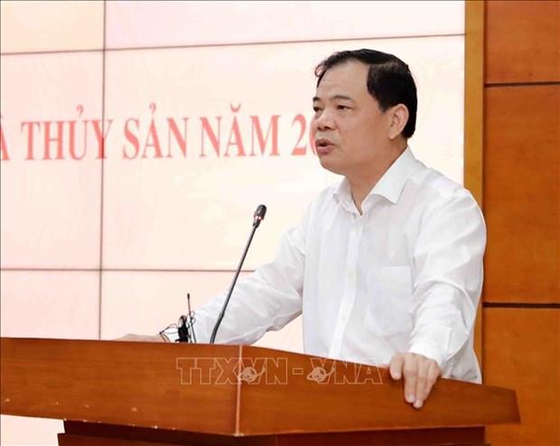 Bo truong Nguyen Xuan Cuong: Rui ro dich benh cao tren cac doi tuong chan nuoi, thuy san hinh anh 1