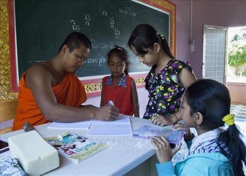 Kien Giang quan tam nang cao trinh do dan tri cho con em dong bao dan toc Khmer hinh anh 1