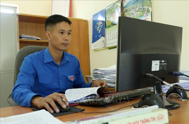 "Anh Nguyen Van Thuy ""thap lua"" noi mien bien cuong Nam Po hinh anh 1"