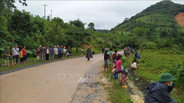 Vu sat lo tai Huong Hoa – Quang Tri: Vuot muon trung kho khan dua cac anh tro ve hinh anh 6