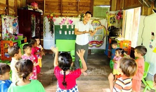 Chuyen ve thay giao mam non Nguyen Van Cuong noi reo cao bien gioi hinh anh 2
