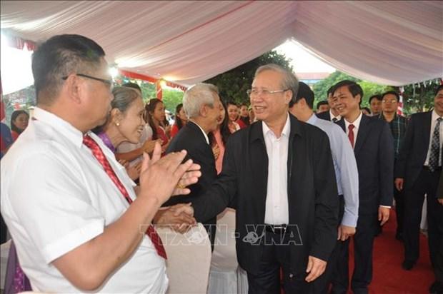 Thuong truc Ban Bi thu Tran Quoc Vuong tham cac truong vung cao dac biet kho khan o Yen Bai hinh anh 1
