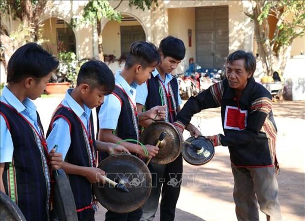 Cong chieng Tay Nguyen - diem nhan ve van hoa, du lich giua dai ngan hinh anh 3