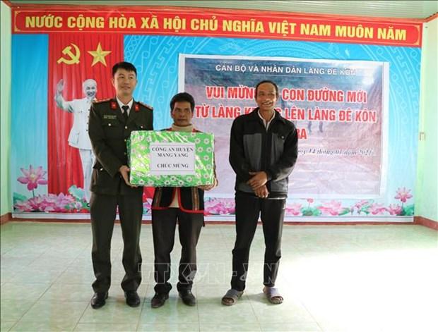 Nhung cung duong mung Dang, don Xuan o Gia Lai hinh anh 2
