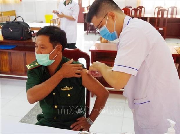 Lap danh sach 10 nhom uu tien tiem vaccine COVID-19 mien phi toan quoc hinh anh 1