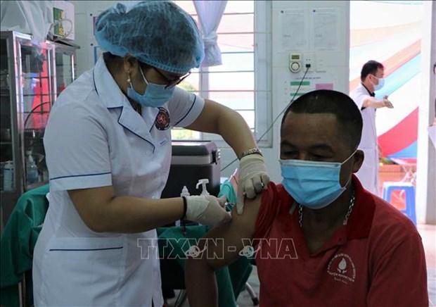 Lai Chau tiem vaccine phong COVID-19 cho nguoi dan khu vuc bien gioi hinh anh 3