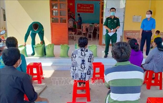 Soc Trang: Luc luong vu trang giup dong bao Khmer on dinh cuoc song hinh anh 3