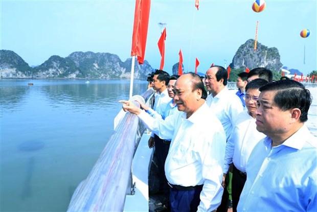 Thu tuong Nguyen Xuan Phuc: Quang Ninh can co chien luoc phat trien kinh te du lich mui nhon hinh anh 5