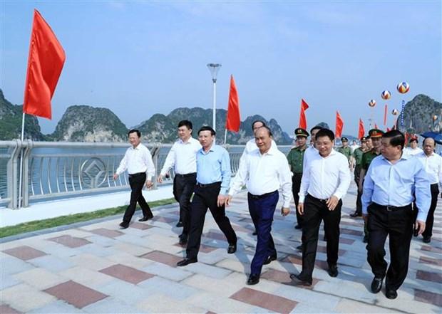 Thu tuong Nguyen Xuan Phuc: Quang Ninh can co chien luoc phat trien kinh te du lich mui nhon hinh anh 3