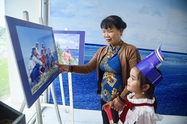 """Gioi thieu khong gian """"Bien dao que huong"""" tai Lang Van hoa – Du lich cac dan toc Viet Nam hinh anh 4"""