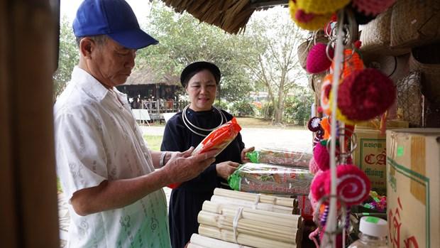 "To chuc ""Ngay Van hoa cac dan toc Viet Nam"" nam 2021 tai Lang Van hoa - Du lich cac dan toc Viet Nam hinh anh 4"
