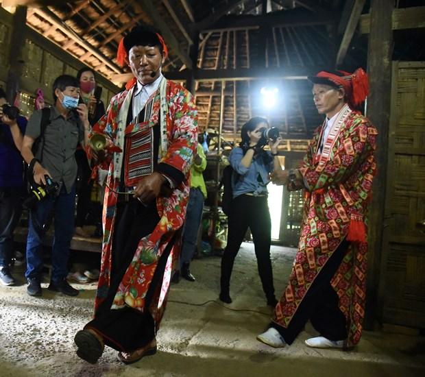 Tai hien Le cung Ban Vuong cua dong bao dan toc Dao hinh anh 8