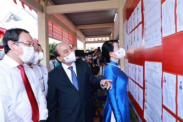 Chu tich nuoc Nguyen Xuan Phuc bau cu tai Thanh pho Ho Chi Minh hinh anh 3