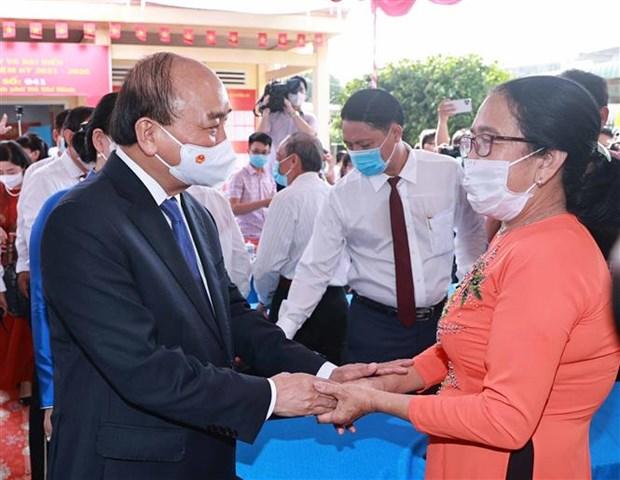 Chu tich nuoc Nguyen Xuan Phuc bau cu tai Thanh pho Ho Chi Minh hinh anh 2