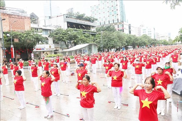 Thanh pho Ho Chi Minh: Hon 2.000 nguoi cao tuoi tham gia dong dien the duc duong sinh hinh anh 3