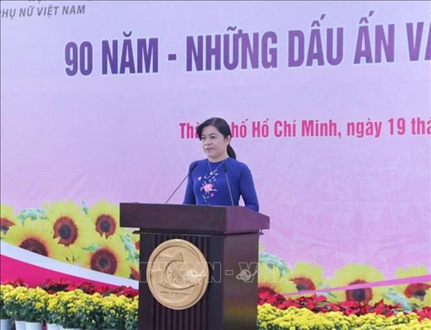 Nhan Ngay Phu nu Viet Nam 20/10: Trien lam 90 nam - Nhung dau an vang son cua Hoi hinh anh 4