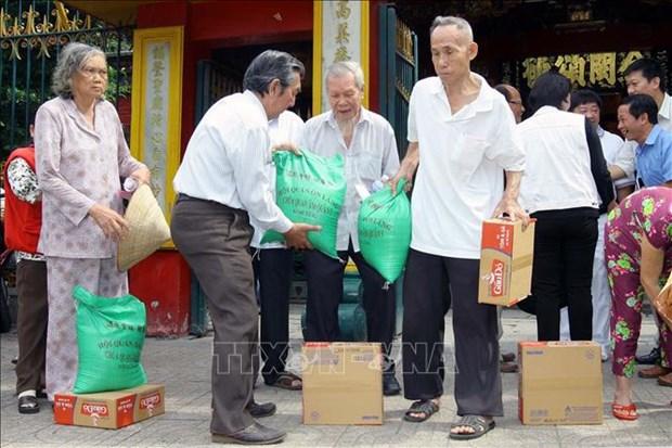 Giam ngheo o Thanh pho Ho Chi Minh - Tu giam ben vung den nang cao chat luong song (Bai 1) hinh anh 1