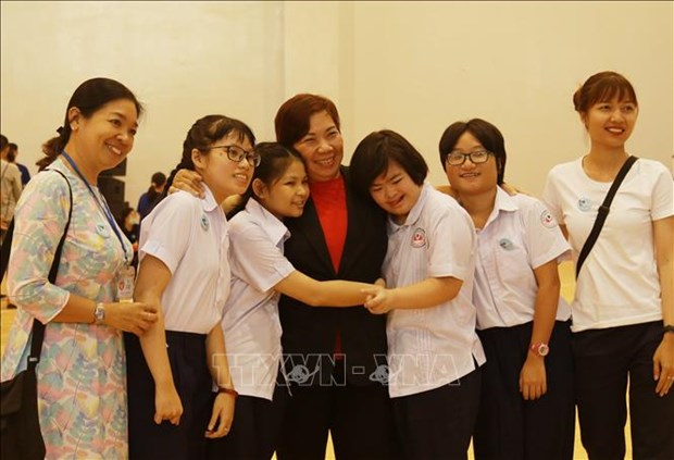 Thanh pho Ho Chi Minh: 350 tre roi loan tu ky tham gia Ngay hoi the thao va tri an thay co giao hinh anh 5