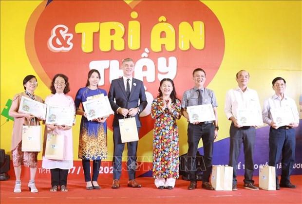 Thanh pho Ho Chi Minh: 350 tre roi loan tu ky tham gia Ngay hoi the thao va tri an thay co giao hinh anh 6
