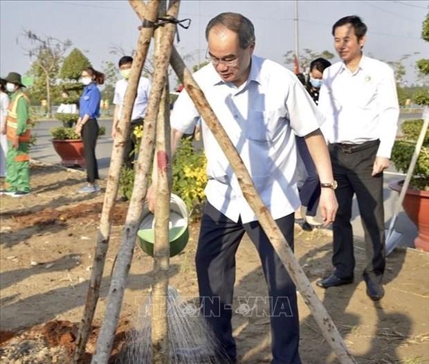 Thanh pho Ho Chi Minh quyet tam chong bien doi khi hau, bao ve moi truong hinh anh 2