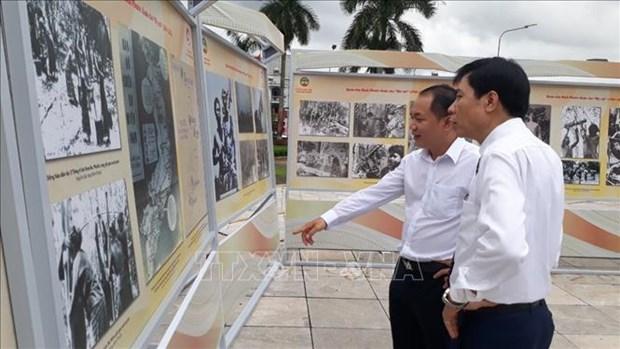 """Trien lam tai lieu luu tru lich su """"Binh Phuoc khang chien, kien quoc 1954-1975"""" hinh anh 2"""