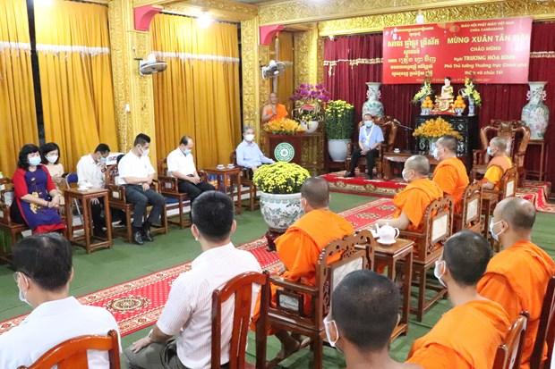 Pho Thu tuong Thuong truc Truong Hoa Binh tham, chuc Tet dong bao Khmer tai thanh pho Ho Chi Minh hinh anh 1