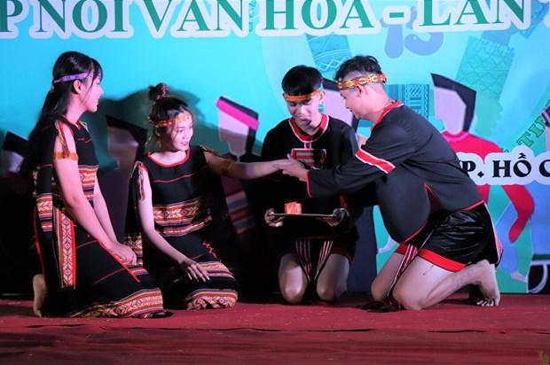 "Sinh vien Truong Dai hoc Van hoa Thanh Pho Ho Chi Minh ""Tiep noi van hoa - Lan toa tinh hoa"" hinh anh 12"