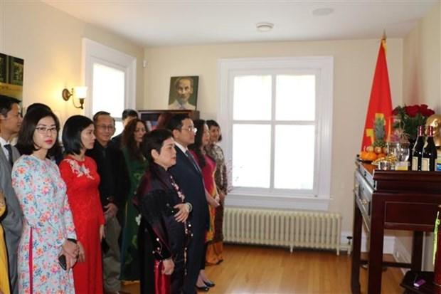 旅海外越南人纪念胡志明主席诞辰130周年 hinh anh 3