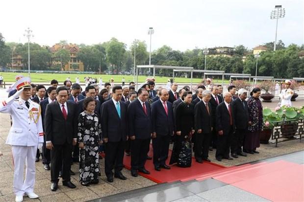 胡志明主席诞辰130周年庆典在河内隆重举行 hinh anh 3