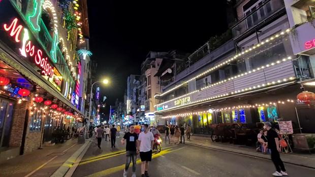 胡志明市裴院步行街主要接待国内游客 hinh anh 1