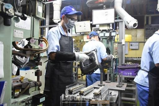 越南成为迎接全球供应链转移的安全目的地 hinh anh 1