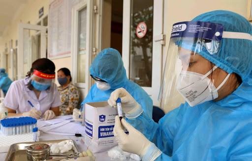 日本众议员高度评价越南新冠肺炎疫情防控工作取得的积极成果 hinh anh 2