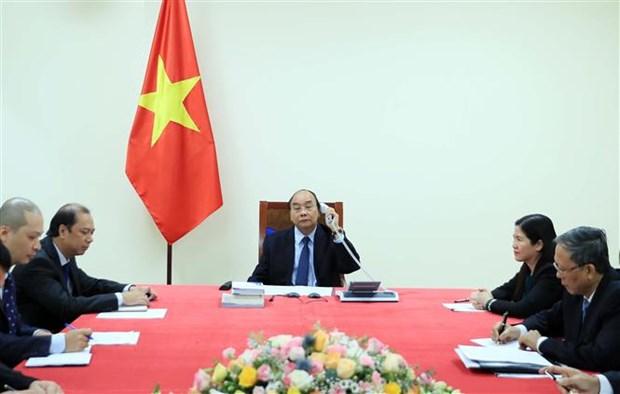 越南政府总理阮春福与菲律宾总统杜特尔特通电话 hinh anh 2