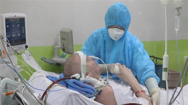 新冠肺炎疫情:英国籍飞行员患者完全清醒 hinh anh 1