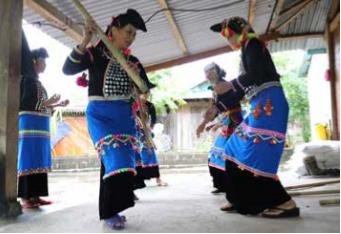 西拉族文化灵魂的传承人 hinh anh 2