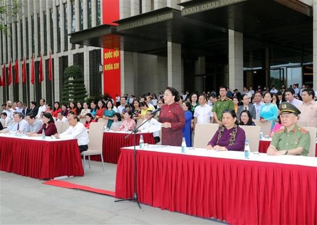 越南国会代表出席骑兵机动警察团亮相游行活动 hinh anh 2