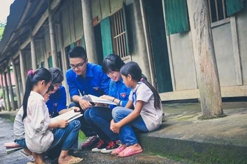 2020年夏季青年志愿者运动将在全国的偏远和贫困地区开展 hinh anh 1