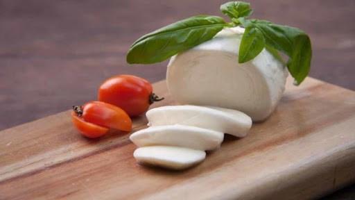CNN赞叹在越南大叻生产的奶酪是亚洲最好吃的奶酪之一 hinh anh 1