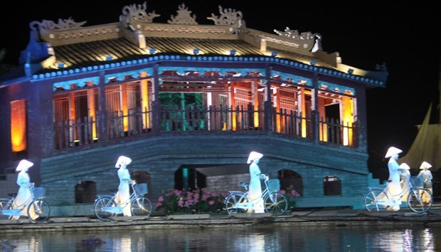 会安奥戴—越南名胜节精彩亮相 生动再现越南人民的生活与特色文化 hinh anh 2